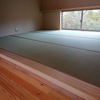 新築、小上がり和室国産い草です。畳縁幅細くしました。スッキリします。