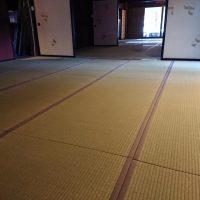 民家改修工事で、新調畳いれました。五部屋続きの和室です。