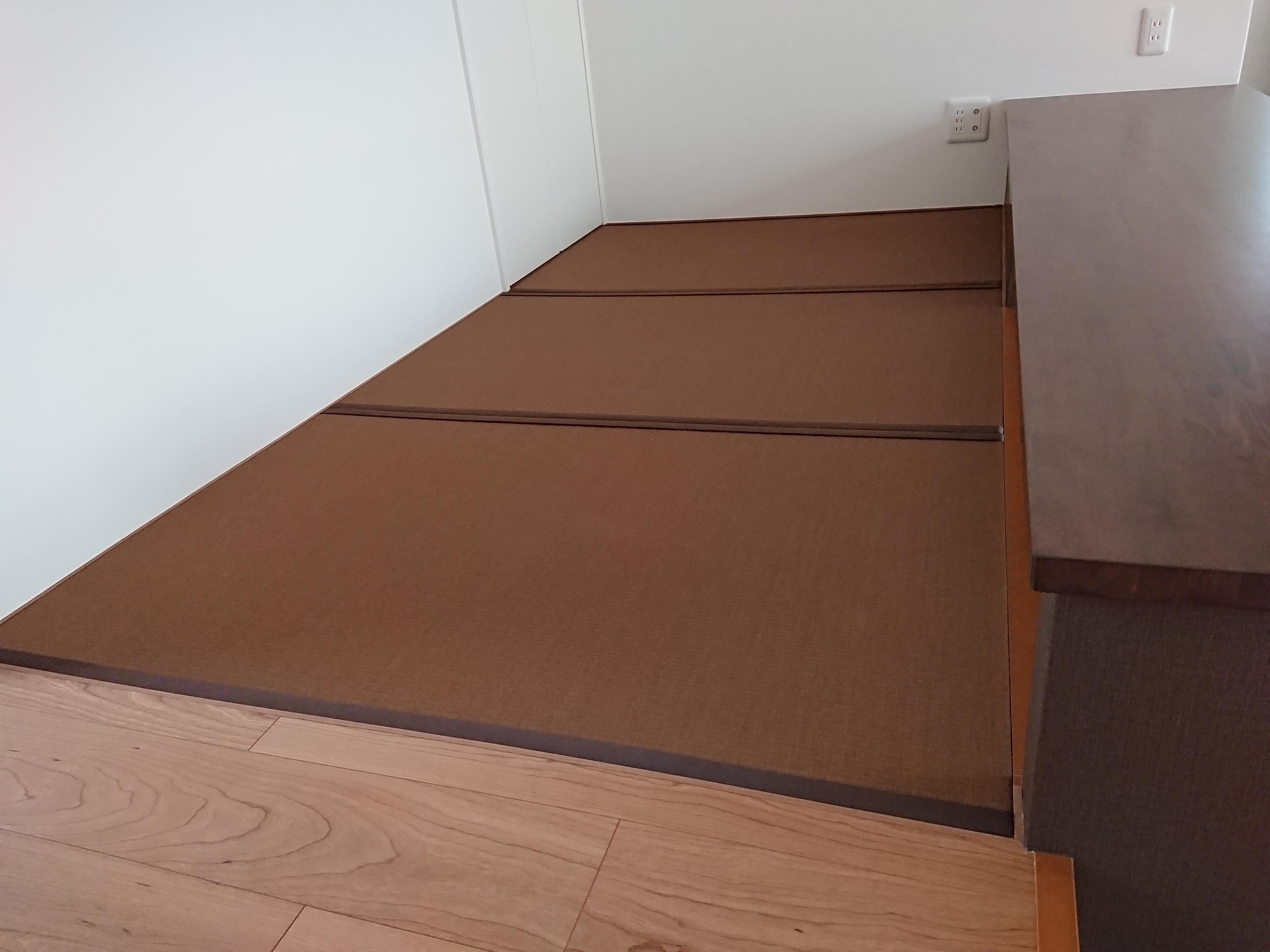 新築です、小上がり畳コーナーです。美草畳表使用です。
