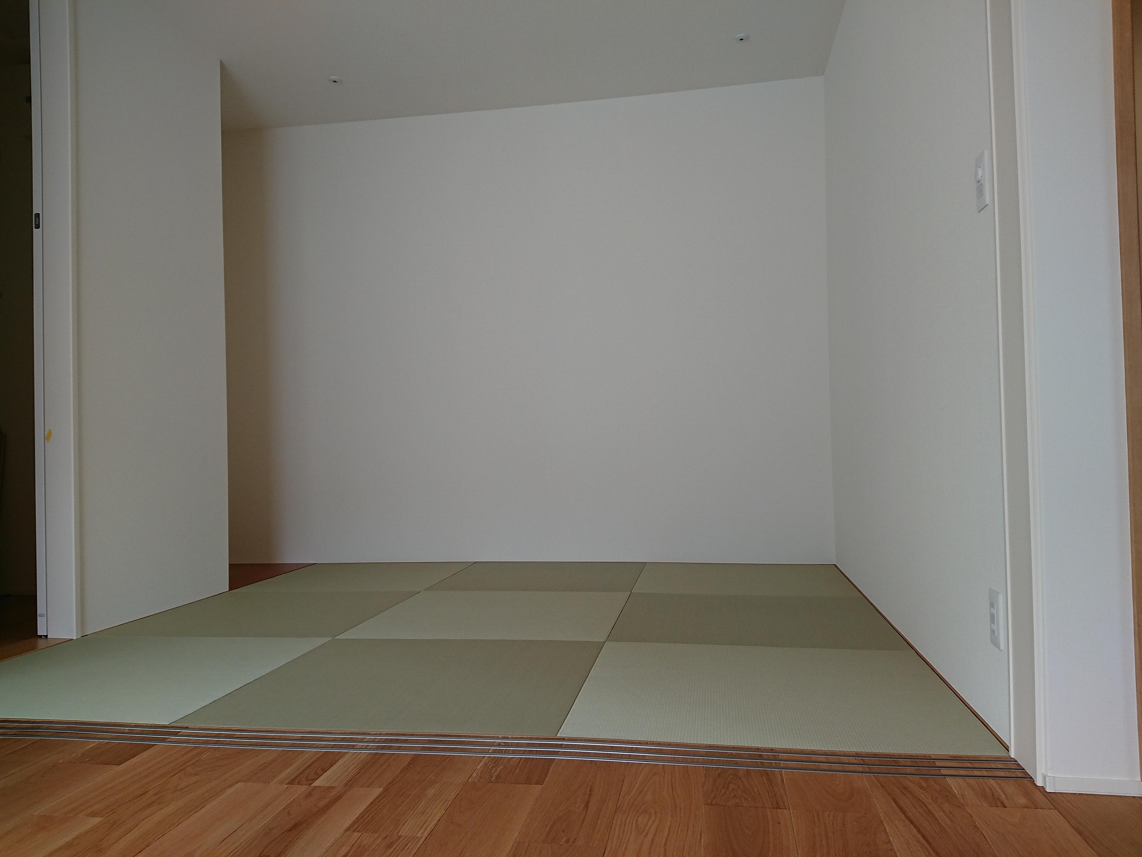 新築です。縁ナシ畳、美草グリーン