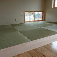 新築です。縁ナシ畳、い草国産。綺麗な和室になりました。