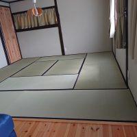 置き畳施工、ケナフ床、い草国産使用です。クッション性あります。